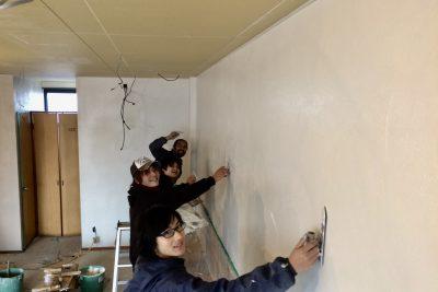 ラフターズカフェ製作日誌(7)お正月に漆喰を塗るのだ